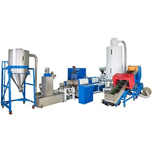 Máquina de fabricación de plástico de alimentación lateral