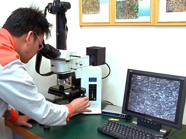 Исследование материалов под металлургическим микроскопом