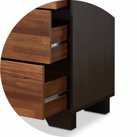 The stable base makes the chest of drawers more resistant to weight.