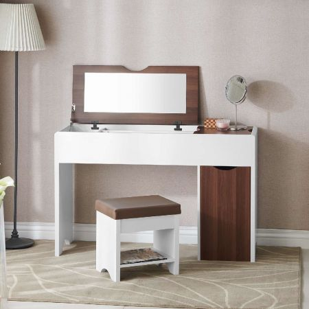 Combinaison simple de table de maquillage et de chaise de style frais