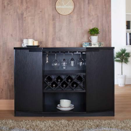 Armoire à vin à espace ouvert à 3 couches de grande capacité - 6 carrés de placement plats haute capacité dans l'armoire.