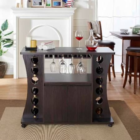 Wooden Wine Cabinet - Bright atmosphere of the atmosphere of good home atmosphere.