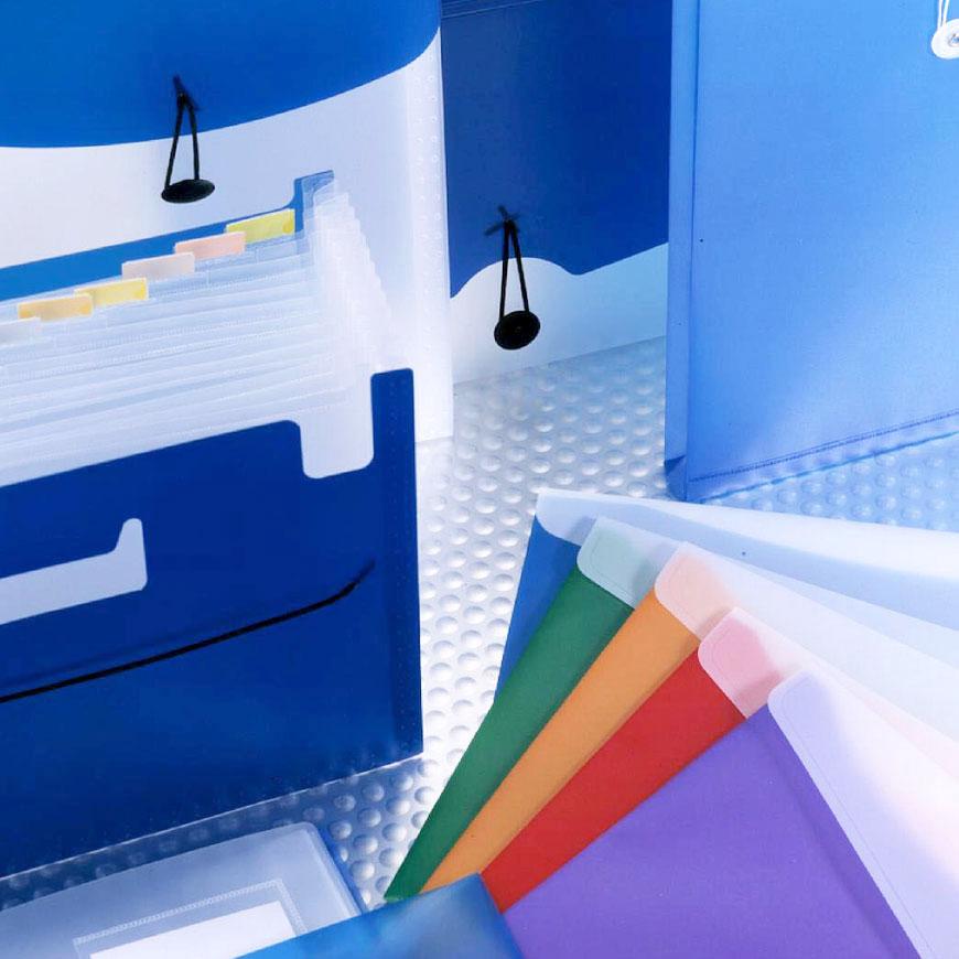 Forniture per ufficio a gamma completa e cancelleria per archiviazione.