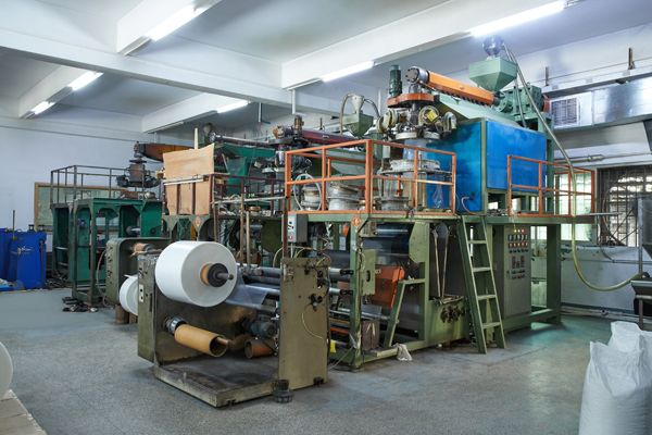 Leos' bellowing machines for making CPP sheets in roll which is basic materials to produce sheet protectors, pocket of display books.