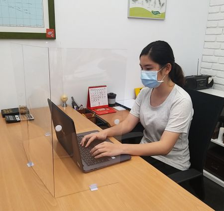 PET Desk Shield - PET Desk Shield