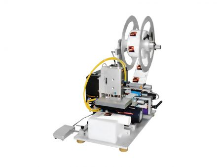 扁弧狀半自動壓感式貼標機