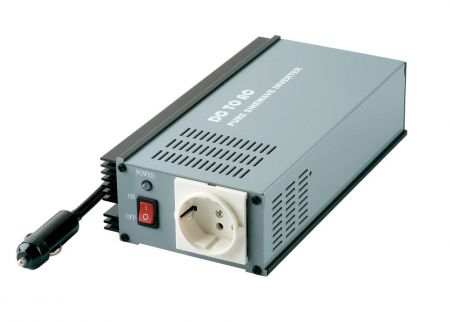 150W PURE SINE WAVE STROOMOMVORMER 12V / 24V DC tot 115V / 230V AC - INT Pure Sine Wave Power Inverter 150W