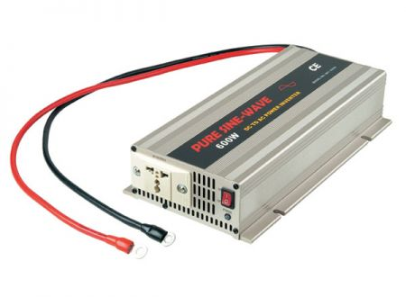 600W PURE SINE WAVE STROOMOMVORMER 12V / 24V DC tot 115V / 230V AC - INT Pure Sine Wave Power Inverter 600W