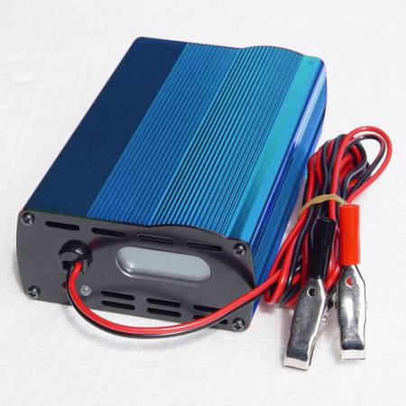 COMPACT 12V10A MULTI-STEP BATTERY CHARGER - WHC 12V10A LEAD-ACID BATTERY CHARGER