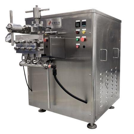 Homogeneizador - Homogeneizador de alta presión de 3 pistones con volante manual.