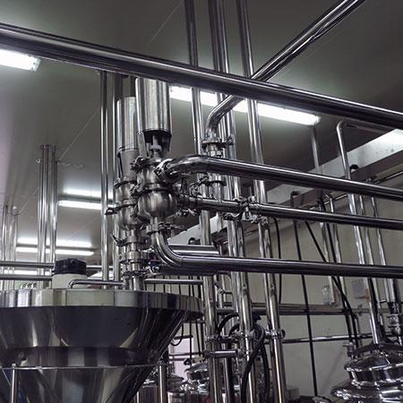 不銹鋼配管 - 食品級 - 不銹鋼管路與氣動座閥。