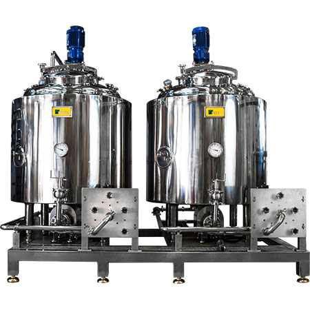 Stainless Steel Storage Tanks - Jacketed stainless steel tanks with sealed tank top for storage.