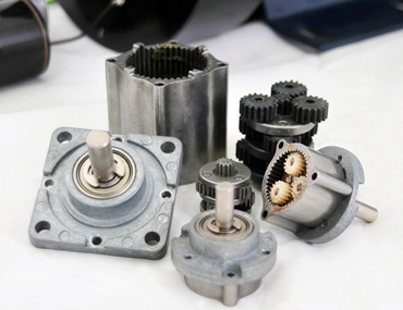 Gear reducer in planetary type can plus DC motors with encoder or controller.