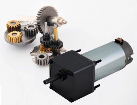 Caja de engranajes de 60 mm de doble eje y actuador lineal en la fabricación de reductores de motor de 12V.