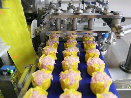 Třířádkový stroj shumai pomáhá zvyšovat výrobní kapacitu