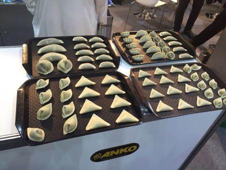 2015展览现场制作食物样品