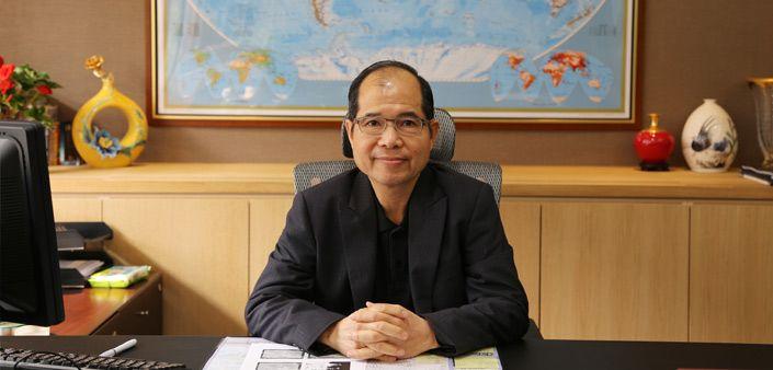 Vorsitzender Robert Ouyoung