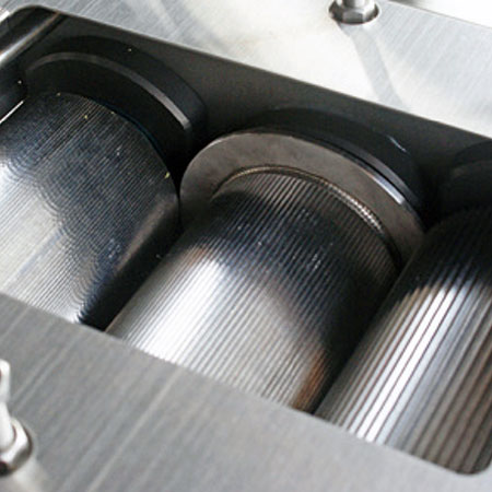 1台のマシンに6つのステンレス鋼ローラー。