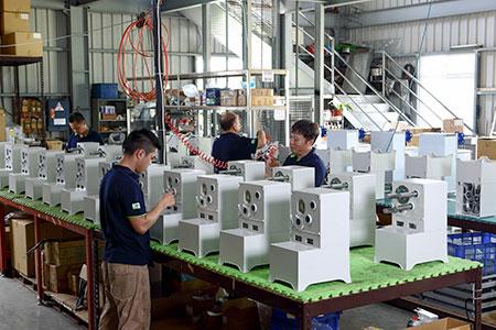 DASINプロフェッショナル製造、組立エリア。