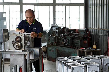 Khu vực lắp ráp, sản xuất chuyên nghiệp của DASIN.