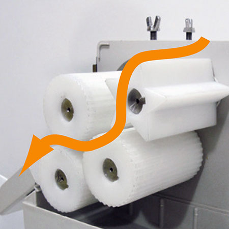 Latest design of 4 rollers with high efficiency and speed, 35 half oranges/min. Gaps between the rollers could be adjusted based on different requirements.
