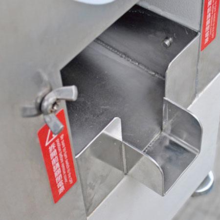 O corpo da máquina é feito de alumínio fundido resistente a ácidos com caixa de a?o inoxidável.
