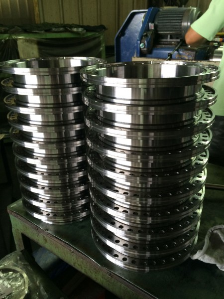 Ju Feng's grinding capacities include small and high-volume production.