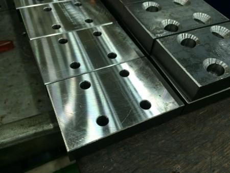 Ju Feng'in freze merkezi ekibi, CNC freze hizmetlerinde engin bir deneyime sahiptir.