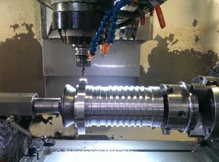 炬鋒擁有專業團隊,提供高精密度銑床半成品。