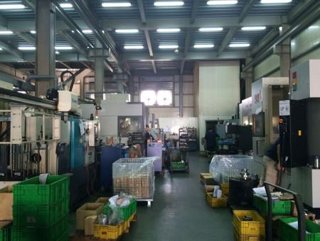 من خلال الاستفادة من تحسين عملية التصنيع ، يمكن لفريق Ju Feng الهندسي تقليل تكلفة المواد وخدمة الطحن للعملاء.