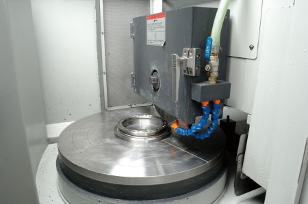 Ju Feng's team is equipped with much experience in machining.