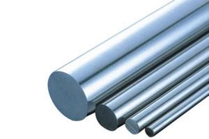 Barras de acero redondas en varios tamaños y grados