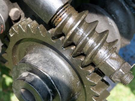 مهاوي دودة - تقدم Ju Feng المواد الفولاذية التي يمكن استخدامها لعمود دودة.