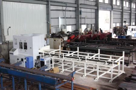 JFS proporciona servicio de corte de barras de acero.