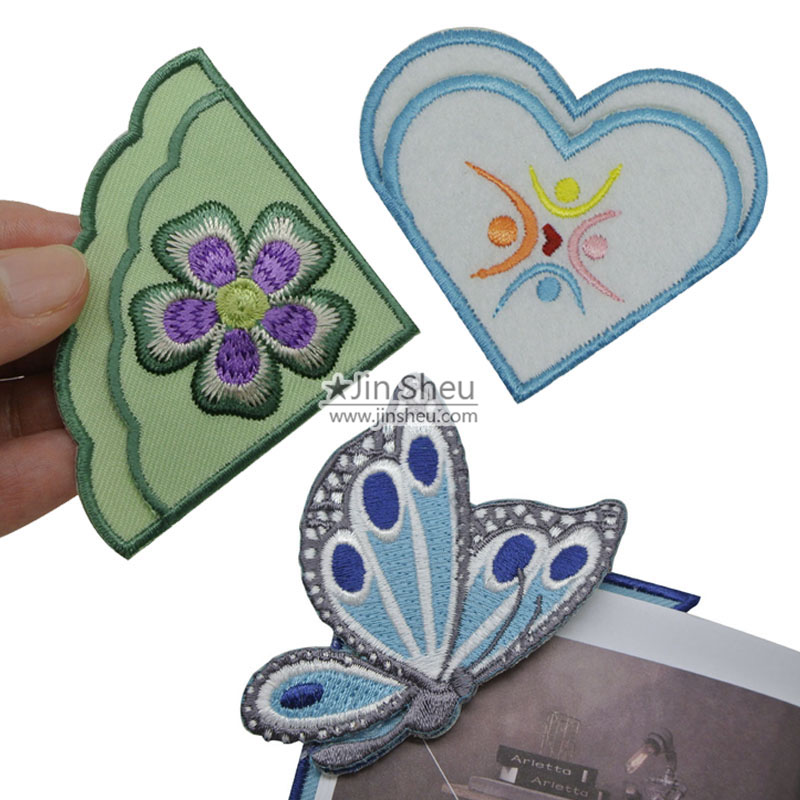 Custom embroidery corner bookmarks supplier