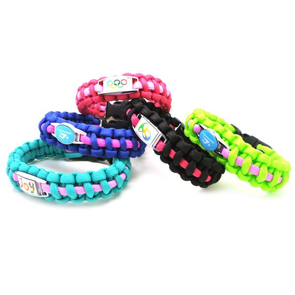 Paracord survival bracelet made of polyester or nylon is light weight and comfortable to wear.