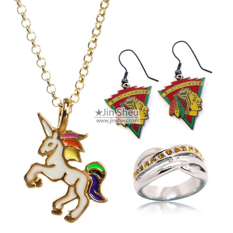 Wide range of metal jewellery