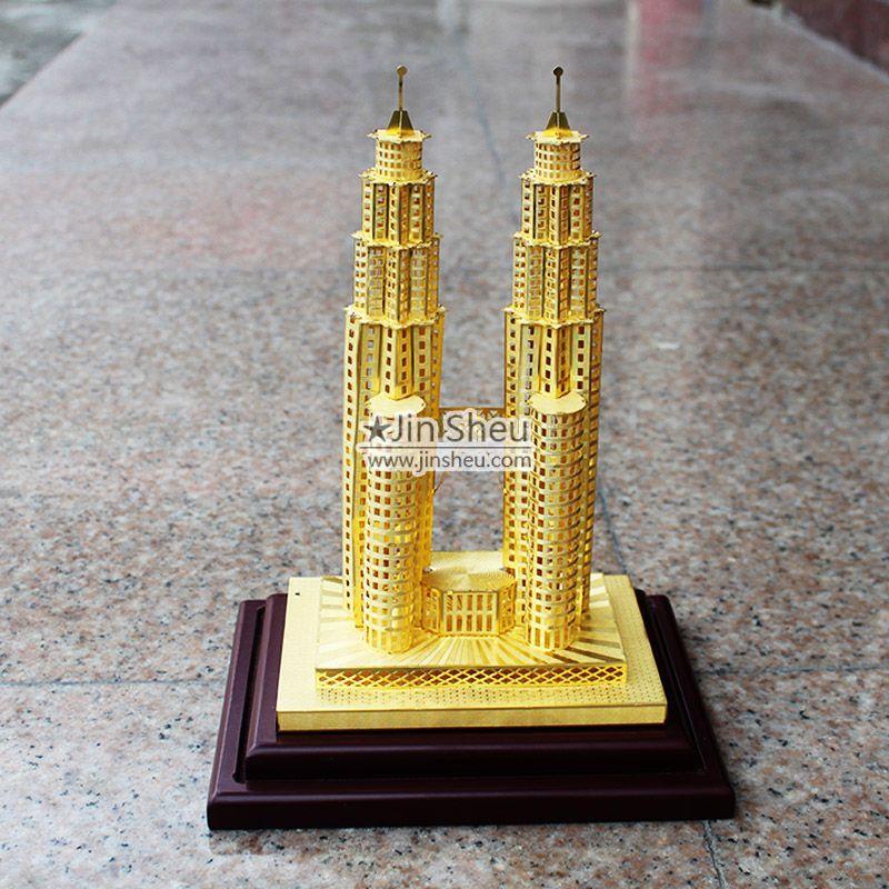 PETRONAS Twin Towers Model - PETRONAS Twin Towers Model