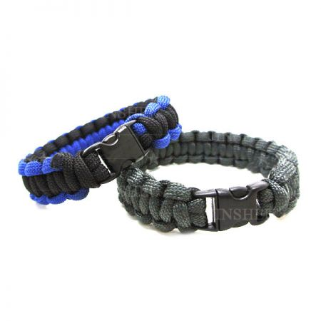 Survival Wristband - Emergency Paracord Bracelet