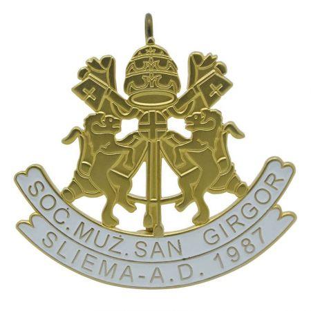 Socjeta Muzikali San Girgor Sliema cap badge - Custom vintage cap badges