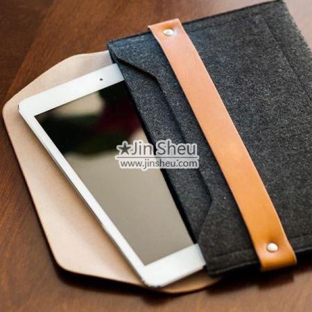 iPad Sleeve Cases/ Laptop Bags - felt ipad sleeve bags