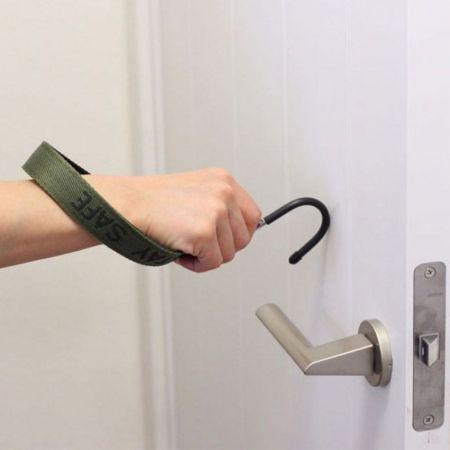 personalized self protect hygienic hook door opener