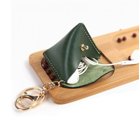 triangle coin pouch with keychain