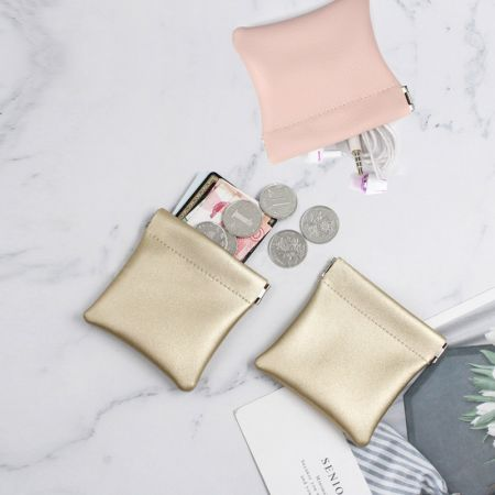 leather coin pouch with snap top spring