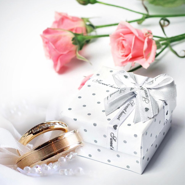 Treat your guests to our fun wedding favors!