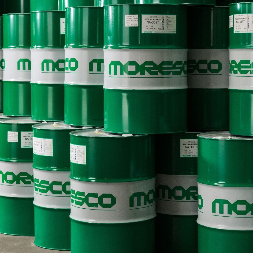 MORESCO NA-308T cutting oil has the excellent lubricating and rust protection.