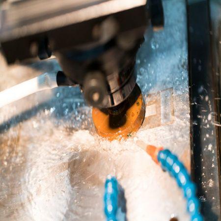 モレスコGR-5 - MORESCO GR-5切削液は、優れた洗浄、消泡、沈降能力を備えています。