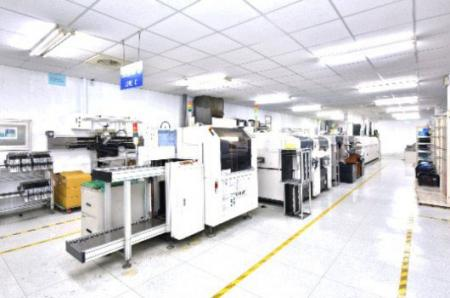 操作精密的設備製造生產昇頻產品