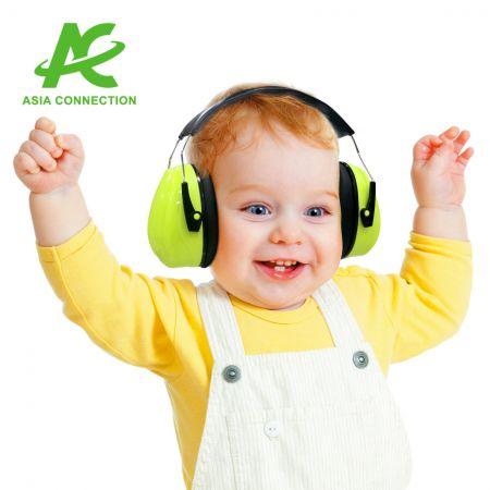 Kids Headband Earmuff - Kid wearing Headband Earmuff