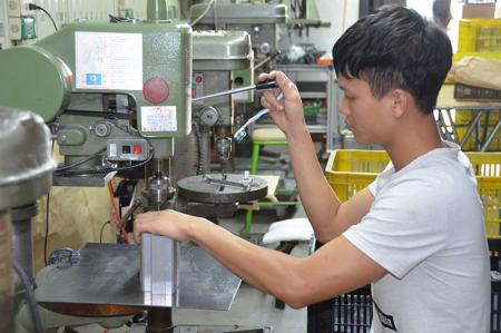 Customize tapping dimension according to customers'requirments.